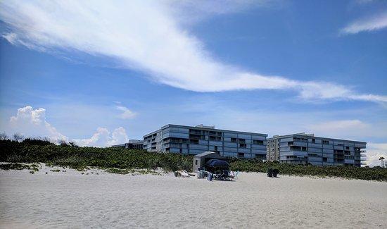 Hampton Inn Cocoa Beach/Cape Canaveral: IMG_20170717_145816~2_large.jpg