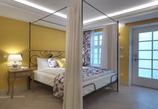 Relais Le Chevalier : relais le chevalier 77 8 9 updated 2018 prices hotel reviews riga latvia tripadvisor ~ Frokenaadalensverden.com Haus und Dekorationen