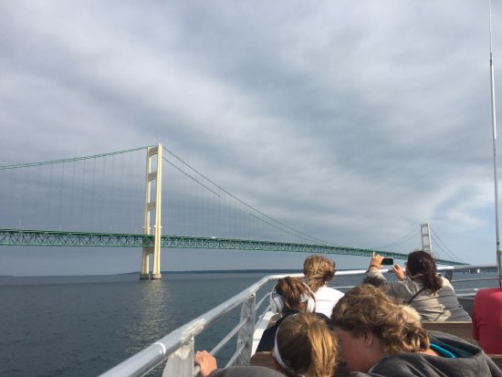 Mackinaw City, MI: Heading to go under the bridge