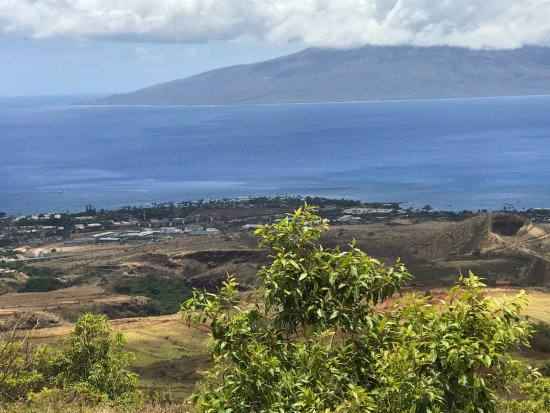 Ka'anapali, HI: An overview from one of the towers of neightboring island Lanai