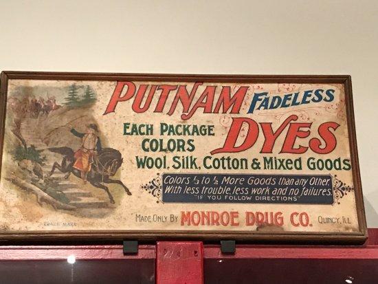 Platteville, WI: sign advertising dyes
