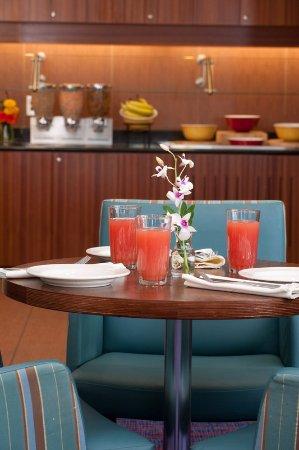 Auburn, ME: Dining Area