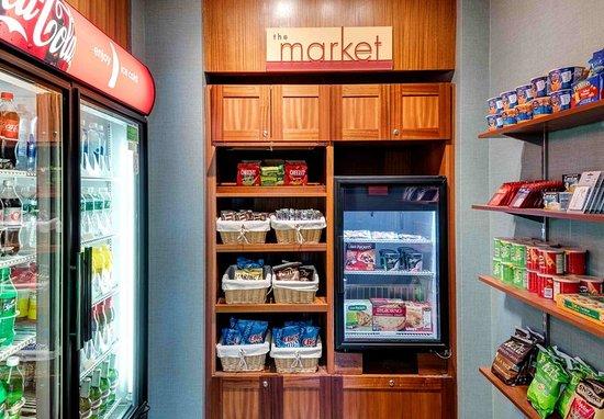 Auburn, Μέιν: The Market