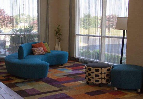 Watervliet, MI: Lobby Seating Area