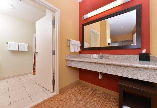 Westampton, NJ: King Suite Vanity