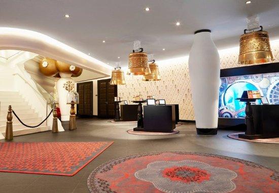 Opfikon, Switzerland: Lobby