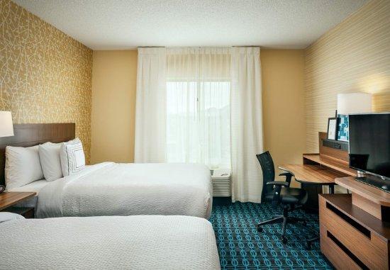 Dupont, WA: Queen/Queen Suite