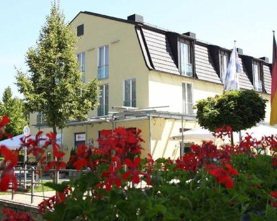 Ismaning, Germany: Slice Aussenansicht Front III