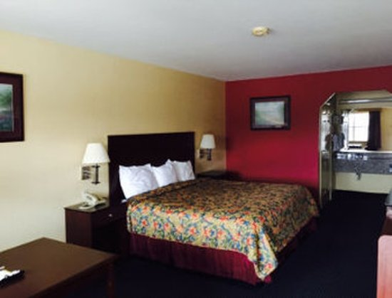 Gun Barrel City, Teksas: One Queen Bed Guest Room