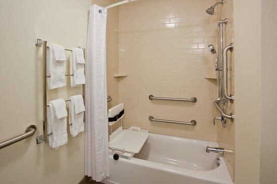 Bemidji, MN: Guest Bathroom in our ADA One Bedroom Suite