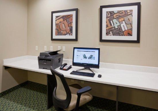 Hampton Inn Suites Bemidji Lobby