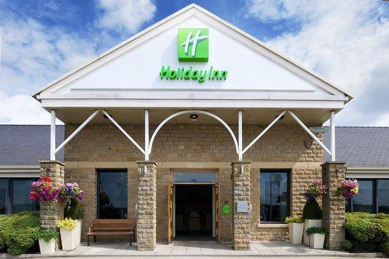 Holiday Inn Leeds Brighouse Entrance