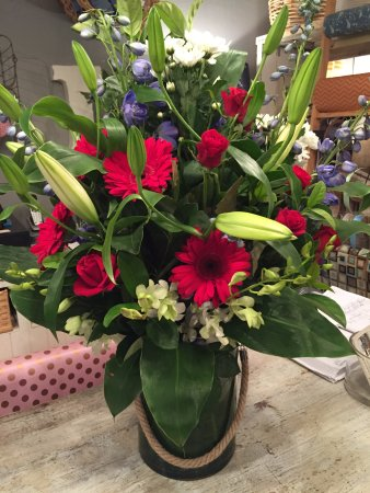 Narrandera, Australia: Our store has Fresh Flowers