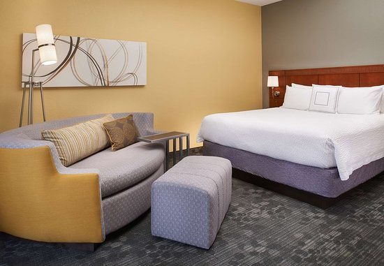 Maryland Heights, MO: King Guest Room