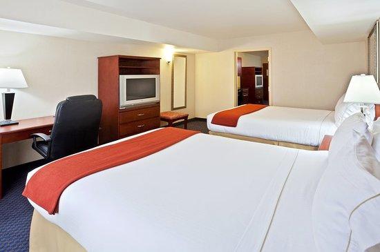 Ellensburg, WA: Two Queen Presidential Suite Bedroom
