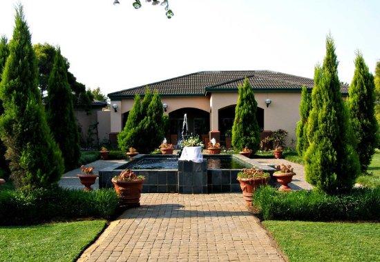 Empangeni, South Africa: Hotel Grounds