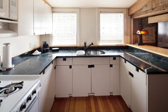 Warren, VT: Ski Room Kitchen