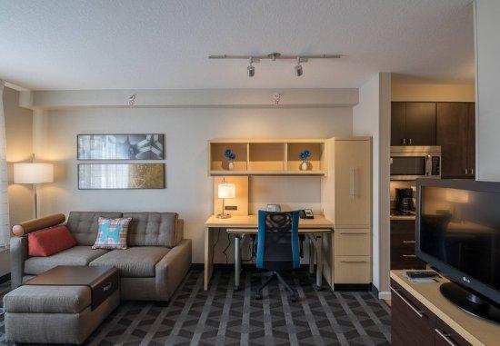 Orem, UT: Studio King Suite - Living Area