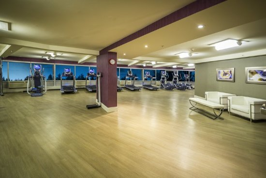 Fitness Center at Crowne Plaza Saddle Brook