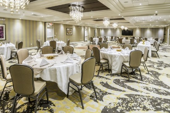 Saddle Brook, NJ: Crowne Jewel Ballroom