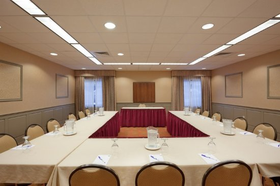 Woonsocket, RI: Conference Room