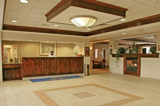 Woonsocket, RI: Lobby