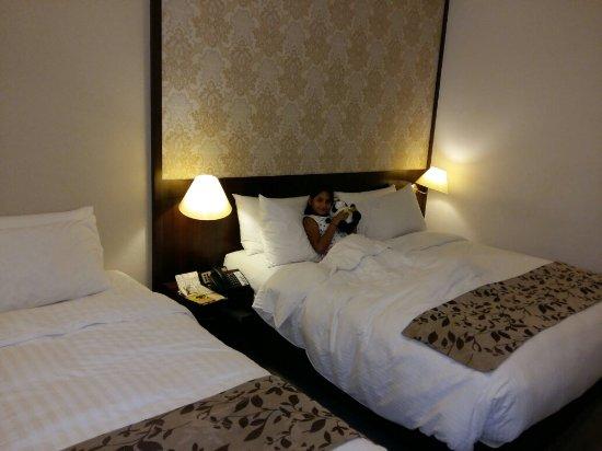 Village Hotel Albert Court by Far East Hospitality : 20170604_213427_large.jpg