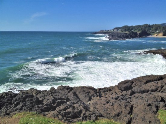 Depoe Bay, OR: Ocean view from the point at Boiler Bay State Viewpoint