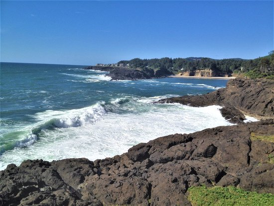 Depoe Bay, OR: View of waves from the point at Boiler Bay State Viewpoint