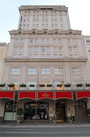Crowne Plaza Hotel Astor-New Orleans: Canal Street Hotel Entrance View of Astor Crowne Plaza