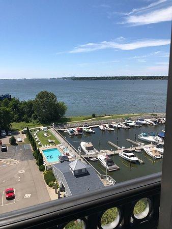 Shoreline Inn & Conference Center, an Ascend Hotel Collection Member: photo1.jpg