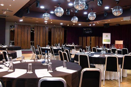 Westhill, UK: Cabaret set up in the Ballroom