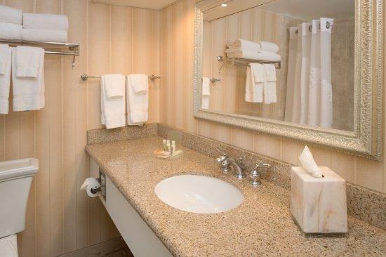 คอลเลจพาร์ค, แมรี่แลนด์: Guest Bathroom