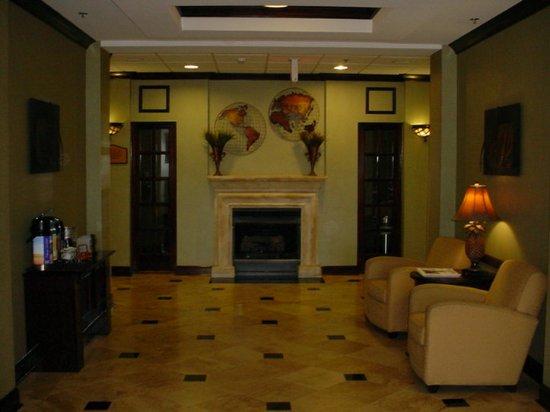 Athens, AL: Hotel Lobby