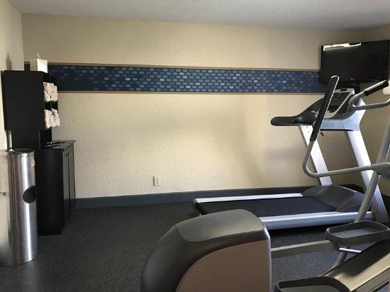 Hampton Inn Daytona Shores - Oceanfront: Fitness Center