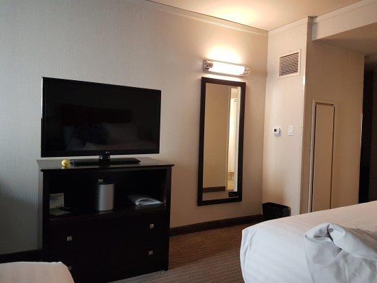 Holiday Inn Express Hotel & Suites San Francisco Fisherman's Wharf: 20170717_190318_large.jpg