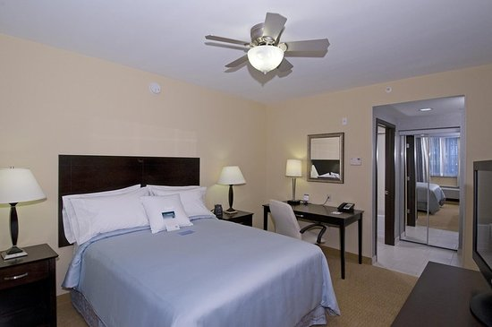Port Saint Lucie, FL: One Bedroom Bed