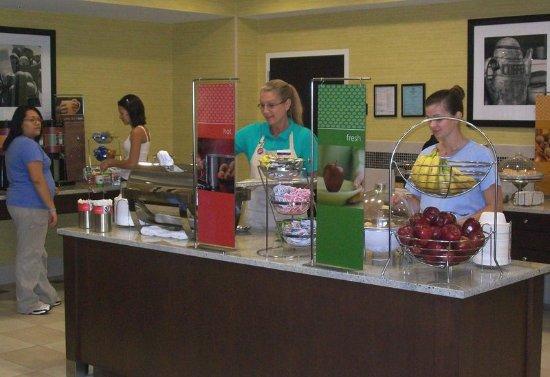 Ozark, AL: Breakfast Serving Area