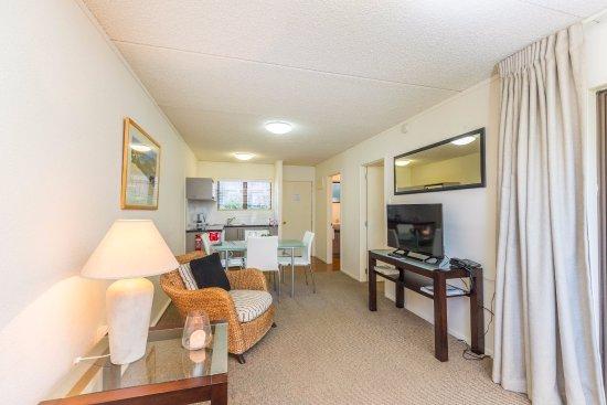 Emerald Inn: One bedroom suite