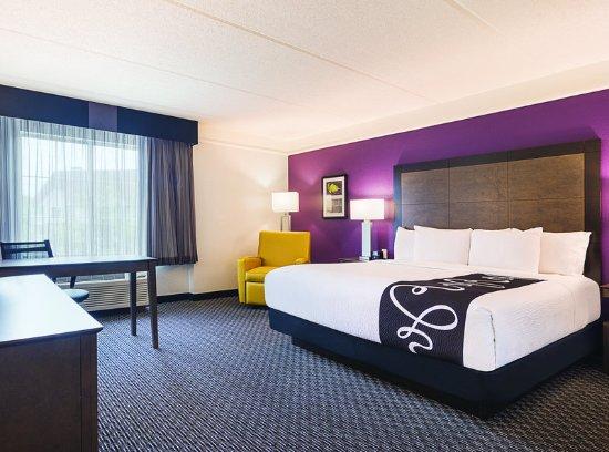 La Quinta Inn & Suites Atlanta Perimeter Medical: Guest Room
