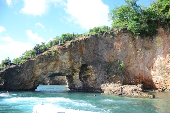 "Gros Islet, St. Lucia: Pirates of the Caribbean ""Pirates Cove"""
