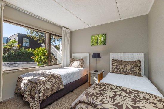 Takapuna, Nueva Zelanda: Twin beds - 2 bedroom suite