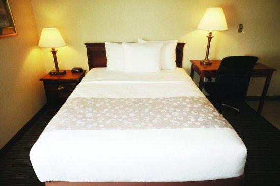Saint Albans, VT: Guest Room