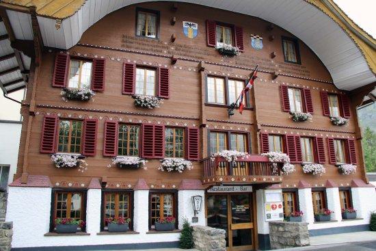 Belle epoque hotel victoria kandersteg for Epoque hotel