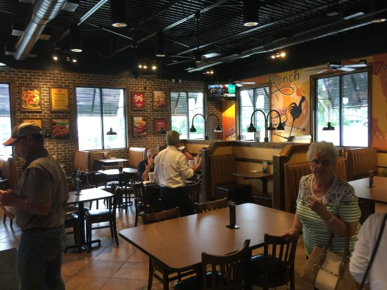 Live Oak, FL: The dining room.