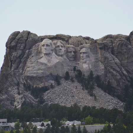 Custer State Park: Mt. Rushmore from Iron Mountain Road