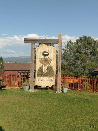 West Kelowna, Canada: The Hatch sign demonstrates the character
