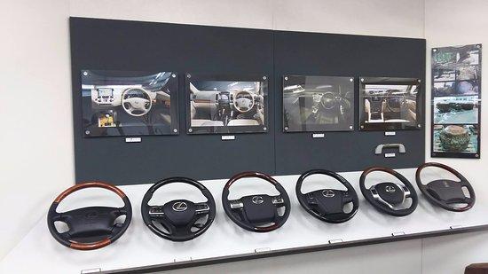 Tendo, Japonia: 車のハンドルも木で作られているそうです