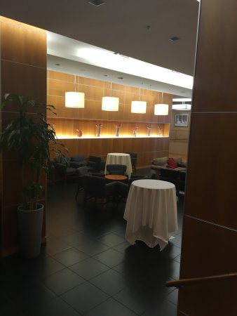 New Carrollton, MD: Evening/Bar area near Lobby