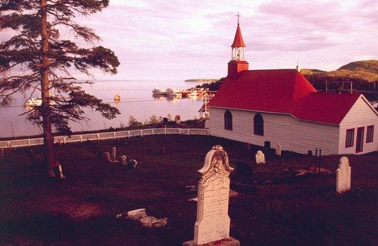 Ile d'Orleans, Canada : chapelle et cimetiere a Tadoussac
